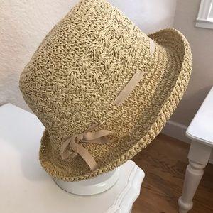 NWOT Women's Straw hat.